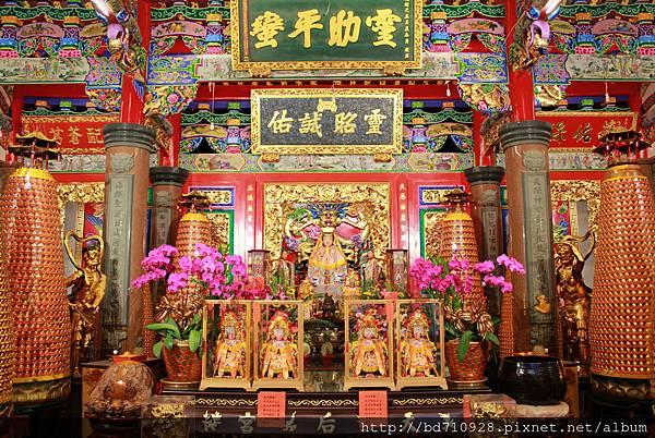 天后宮正殿主祀天上聖母,為台東地區首屈一指的信仰重鎮