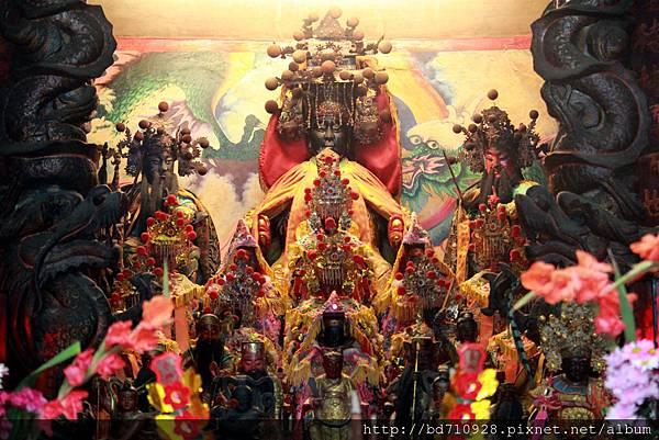 聯天宮正殿主祀天上聖母,為天后宮以外另一媽祖信仰中心