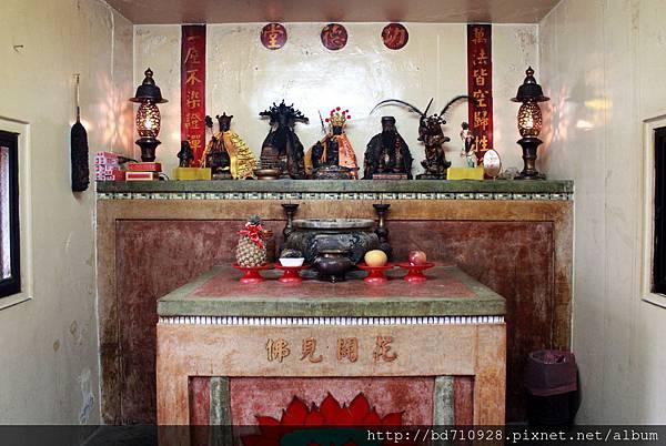 二樓功德堂奉祀地藏王菩薩