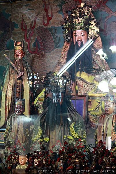 竹山沙東宮正殿神龕內開臺聖王聖像