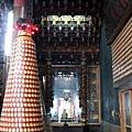 沙東宮正殿龍邊神龕,奉祀:城隍爺