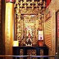 南聖宮正殿龍邊神龕,奉祀:觀音佛祖