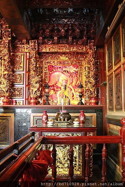 二樓正殿左邊神龕奉祀清水祖師