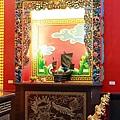 忠義宮正殿龍側神龕,奉祀:蘇府王船