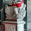 正殿前石獅