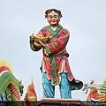瑞芳瑞福宮廟頂上招財童子塑像