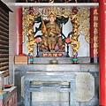 龍鳳佛堂一樓正殿虎邊神龕,奉祀:中壇元帥