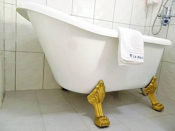 3法式浪漫風情浴缸雙人房(浴缸).JPG