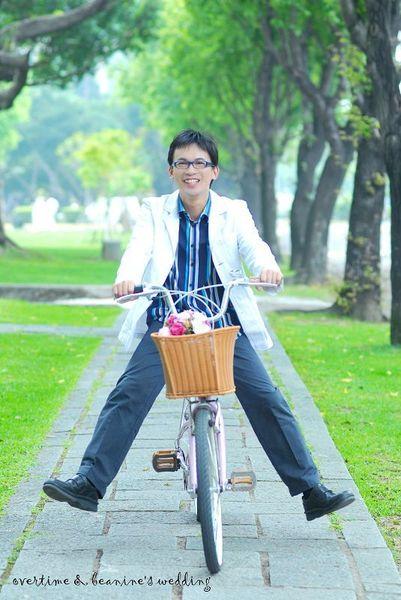 騎單車的小祥.jpg
