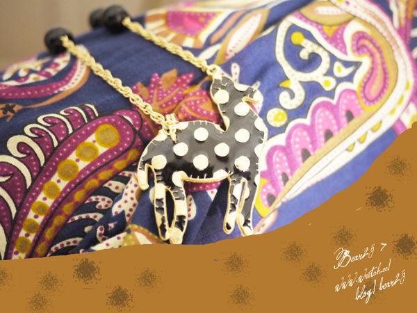 N07 駱駝插畫風珠鍊