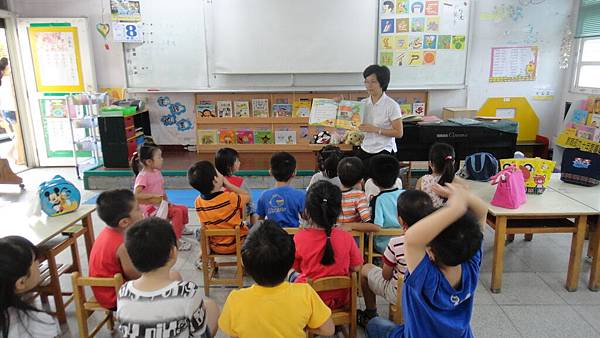 用動物戲偶來教孩子台語兒歌2.JPG