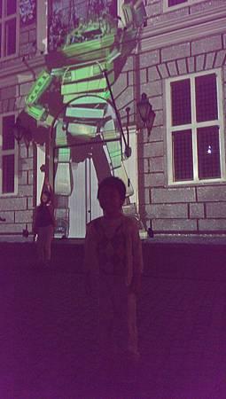 豪斯登堡-晚上的3D機器人燈光秀