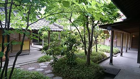 湯布院山燈館-房間外面庭院