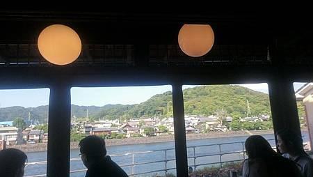 中村籐吉茶房的窗景