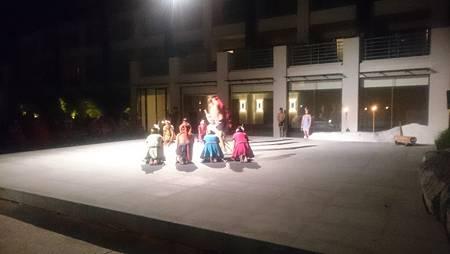 晚上還有原住民歌舞