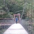 小吊橋其實沒有很窄,但是很晃.....我很怕