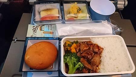 華航機上的飛機餐