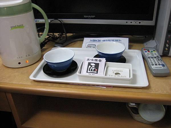 IMG_4738 先泡杯茶休息一下吧,旅館花了兩人共53800日幣呢~