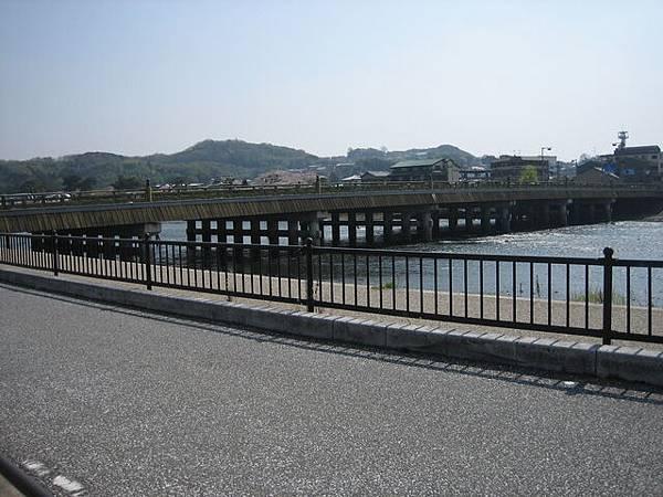 IMG_4991 宇治車站出口的橋.JPG