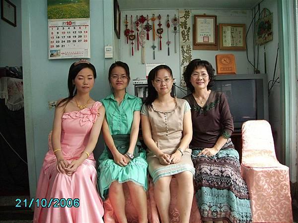 媽媽妹妹們和我
