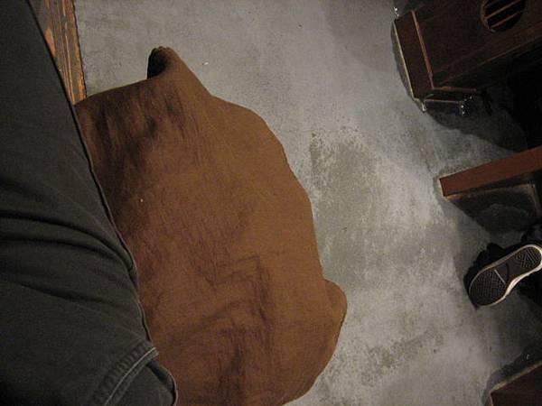 IMG_4701 行李大衣有專屬籃子跟布保護,不怕弄髒.JPG