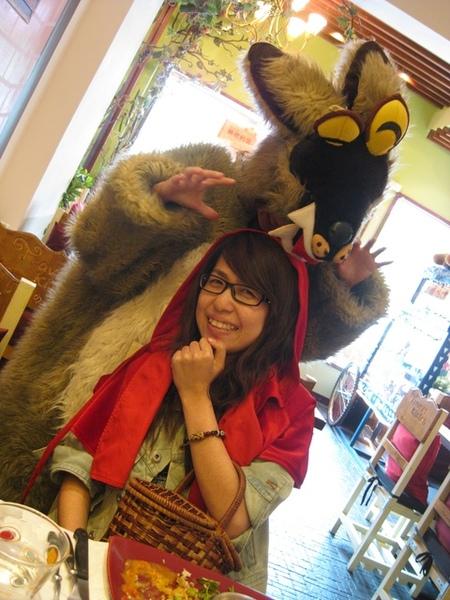 大野狼吃律玟