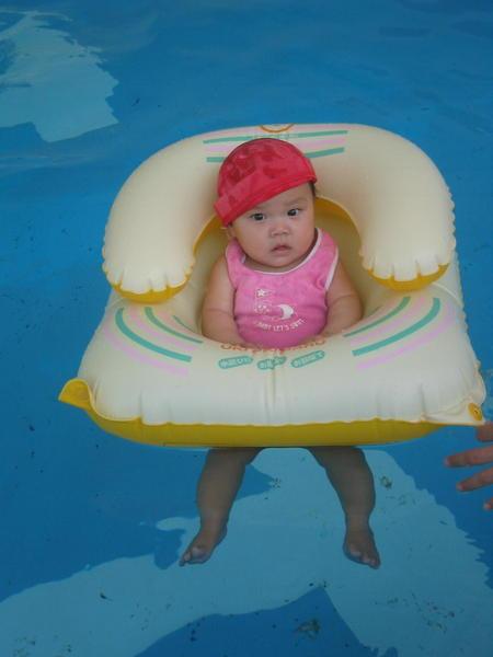 小寶寶泳圈