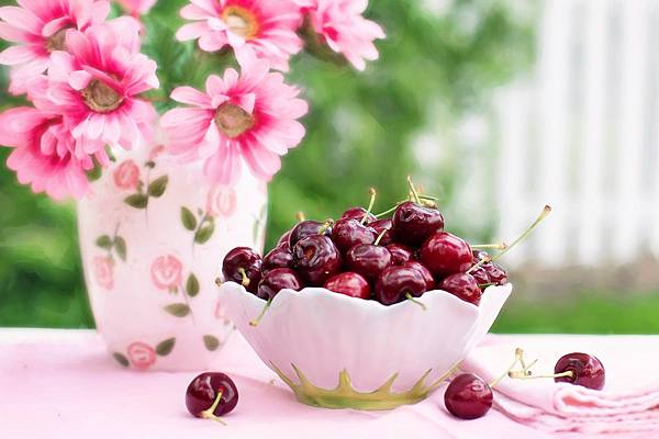 cherries-in-a-bowl-773021_1280.jpg