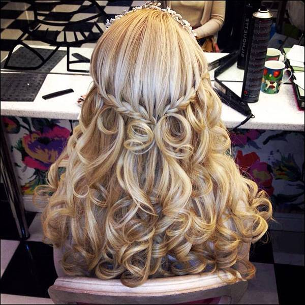 Wedding-Hairstyles-2014-Curly