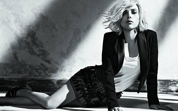Scarlett-Johansson-Wallpaper-19