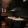 但馬家鐵板燒4_6人座包廂,桌面為義大利黑網石(橫).JPG