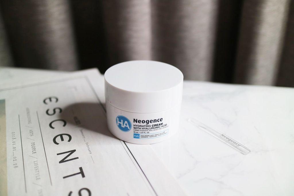 Neogence玻尿酸保濕乳霜