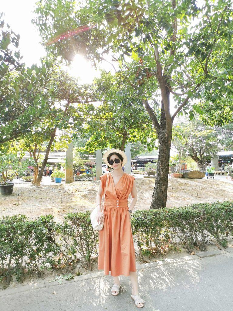 泰奶色 長洋裝
