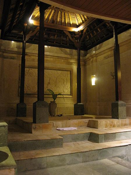 The Payogan Villa如帝王般的大浴室