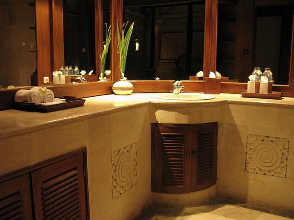 浴室洗手檯