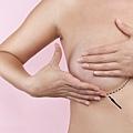 隆乳手術.jpg