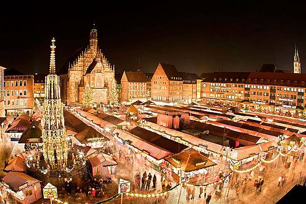 300-nuernberg-christmas-market.jpg