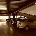 沒人管的停車場