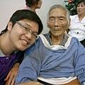 老弟和外婆