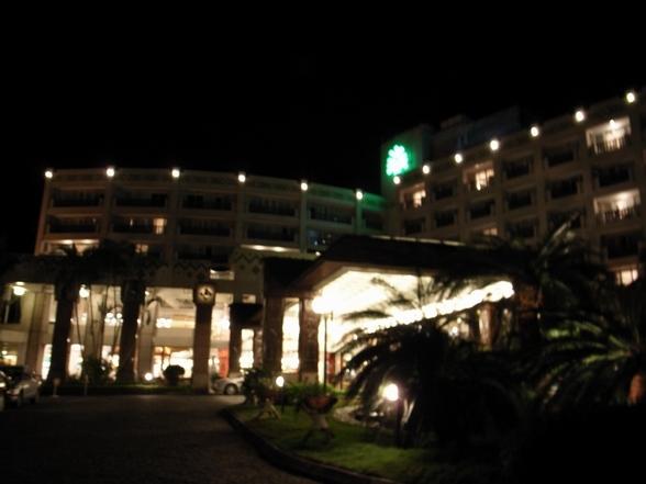 老爺酒店門口