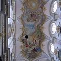 天花板上的彩繪
