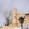往郝恩修瓦高城堡