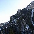 山上的雪也融掉大半囉