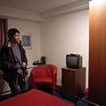 還有電視和衣櫃