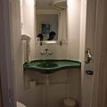 很像機艙上的廁所