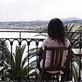 坐在陽台看海