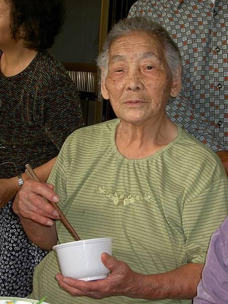 20041106 外婆慶生2.JPG