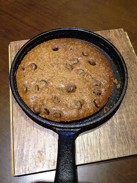 小鑄鐵鍋烤餅乾.jpg