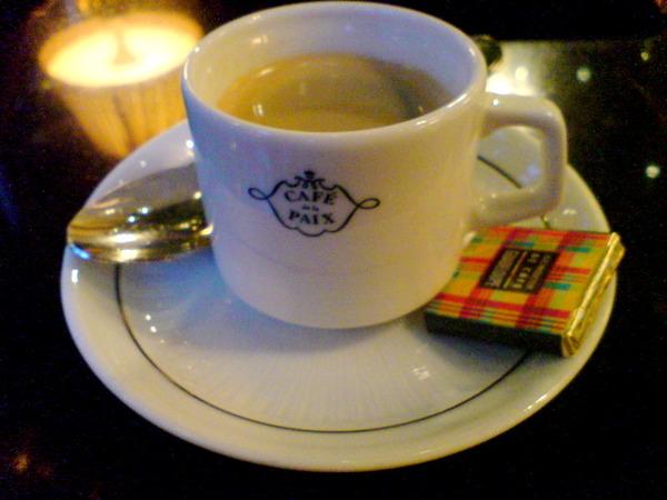Expresso au cafe de la paix