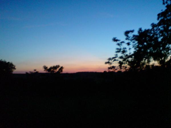 窗外的世界--天色漸漸暗了